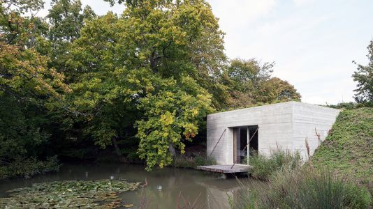 Artist's Studio, Guesthouse and a Tunnel in an English Country Home