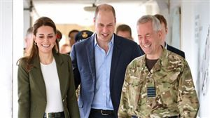 Le prince William se moque du look de Kate