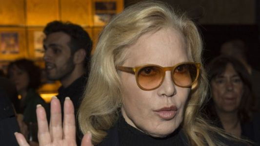 Sylvie Vartan:  sa réaction à l'idylle supposée entre Johnny Hallyday et Catherine Deneuve
