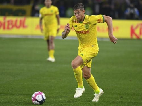 Mort d'Emiliano Sala : comment sa mère a appris la disparition de son avion