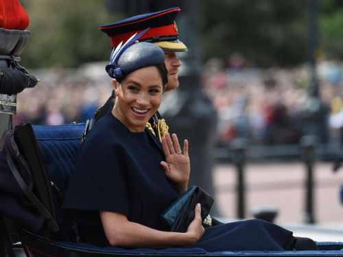 Trooping the colour : Meghan Markle intrigue avec une nouvelle bague à son annulaire gauche