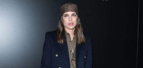 Fashion Week de Paris:  Charlotte Casiraghi en look rock'n rebelle au défilé Yves Saint-Laurent