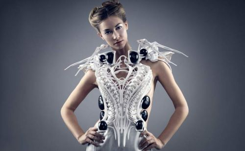 Robotic fashion: Wear your heartbeat on your sleeve