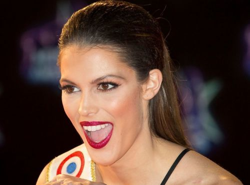 Iris Mittenaere se dévoile sans make-up. et topless !
