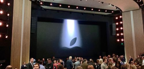 Apple News+, Apple Card, Apple TV+. suivez la keynote en direct