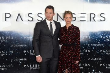 Chris Pratt s'amuse à couper Jennifer Lawrence de tous ses selfies