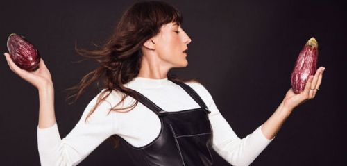 Juliette Armanet sort une collection capsule pour Claudie Pierlot