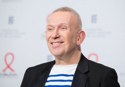 La collaboration couture Jean Paul Gaultier x Sacai repoussée à 2021