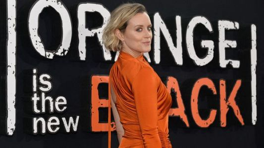 """Taylor Schilling:  l'ancienne star d'""""Orange Is The New Black"""" fait son coming out"""