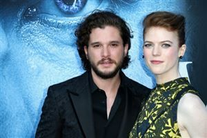 "En couple dans ""Game of Thrones"", Kit Harington et Rose Leslie se marient"