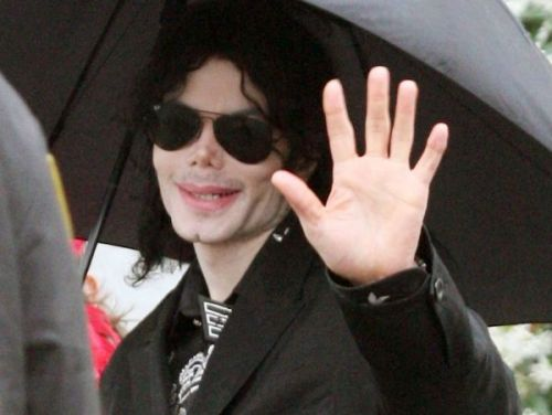"""Des bijoux contre des actes sexuels"":  James Safechuck accable Michael Jackson dans Leaving Neverland"
