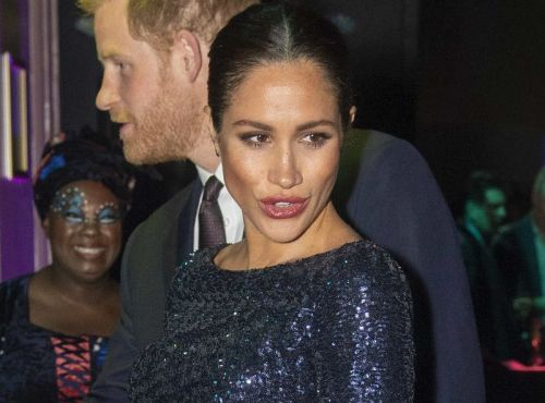 Meghan Markle:  Elle brise le protocole royal puis tente une blague osée sur les Anglais !