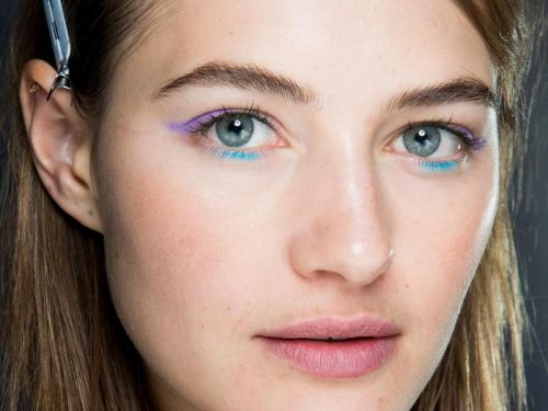 Dior, Elie Saab, Louis Vuitton. Le maquillage des yeux multicolore réchauffe la Fashion Week