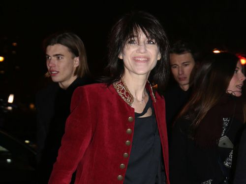PHOTOS. L'hiver ? Charlotte Gainsbourg apparait en mini-short à la Fashion Week