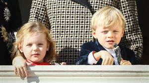 Adorable: la traditionnelle photo de noël de Jacques et Gabriella de Monaco