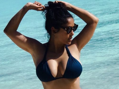 PHOTOS. Salma Hayek canon au naturel pendant ses vacances