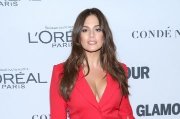 Ashley Graham ironise sur le défilé Victoria's Secret