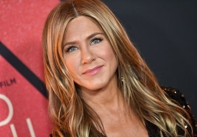 Jennifer Aniston:  on veut sa robe pour le nouvel an