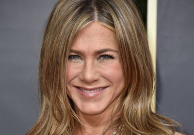 Emmy Awards 2020:  Jennifer Aniston sublime en petite robe noire