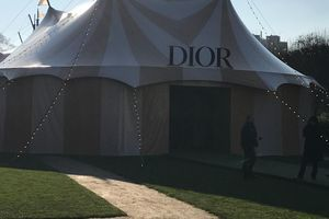 En direct de la Fashion Week:  les coulisses du défilé Dior